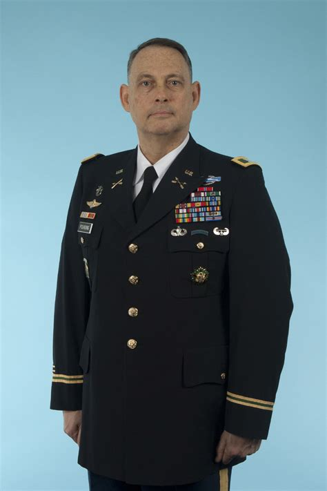 Army dismisses charges against colonel in HIV case