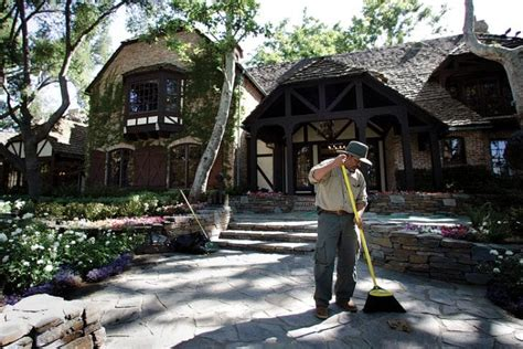 Neverland Ranch of Michael Jackson: How Much is it Worth