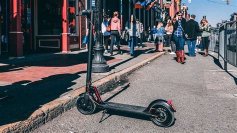 GOTRAX GXL Electric Commuter Scooter V2 REVIEW | Mac Sources