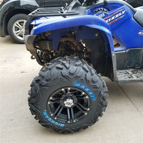 """25"""" Maxxis Bighorn OG size compared to stock - Yamaha"""