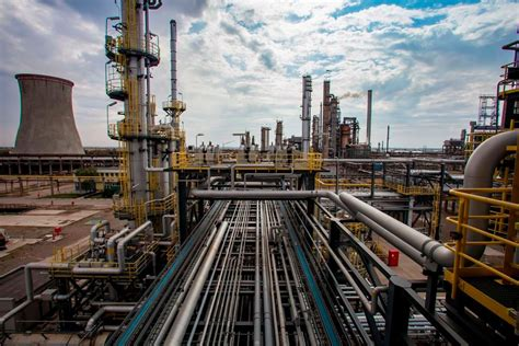 OMV Petrom invests EUR 60 mln in new gasoline production